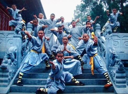 Shaolin kung fu classes and lessons in school